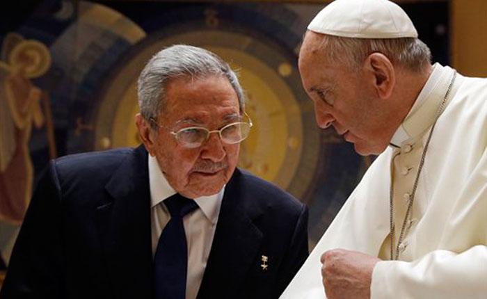 """Castro: """"Si el Papa sigue así volveré a rezar y regreso a la Iglesia"""""""