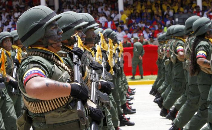 El papel clave que juega el ejército en la crisis de Venezuela