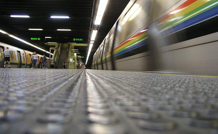 Affaire en el Metro de Caracas por Manuel Isidro Molina