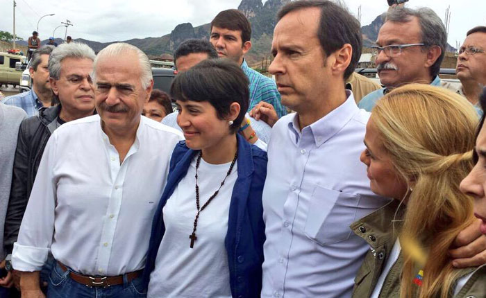 Desde Panamá hasta Caracas por Asdrúbal Aguiar