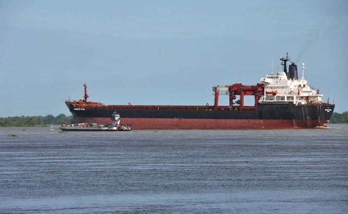 Buque petrolero de BP descarga en Curazao tras espera de 100 días por pago de PDVSA