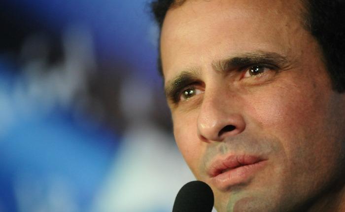 "Capriles pide a  Rousseff ""subir el tono"" sobre caso de senadores brasileños"