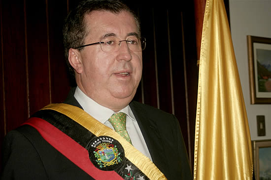 Inhabilitan políticamente a César Pérez Vivas por 7 años - cesar-perez-vivas