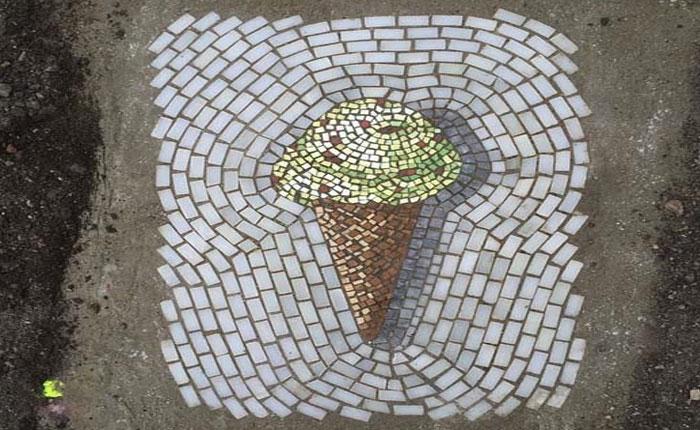 Mira las obras del artista que convierte los huecos en espectaculares mosaicos