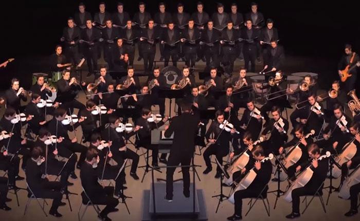 Mira cómo este hombre toca todos los instrumentos de su propia orquesta