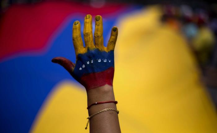 La oposición frente a la montaña por Elías Pino Iturrieta