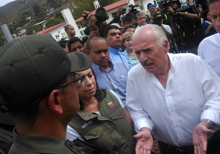 Impiden visita de ex presidentes latinoamericanos a Daniel Ceballos y  Leopoldo López