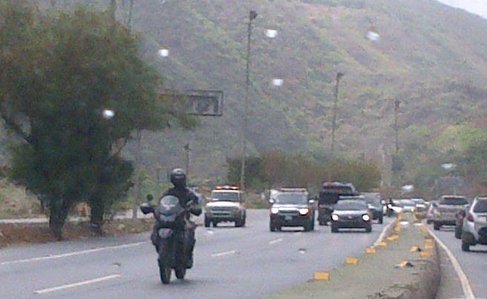 AutopistaCaracasLaGuaira.jpg