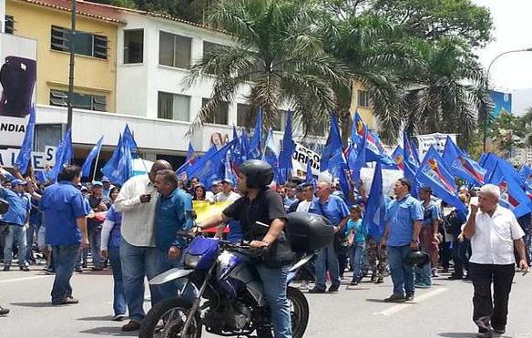 Partidos políticos se movilizaron para exigir fecha de elecciones parlamentarias