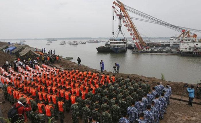 Recuperan 434 cadáveres del naufragio Estrella Oriental en río en China