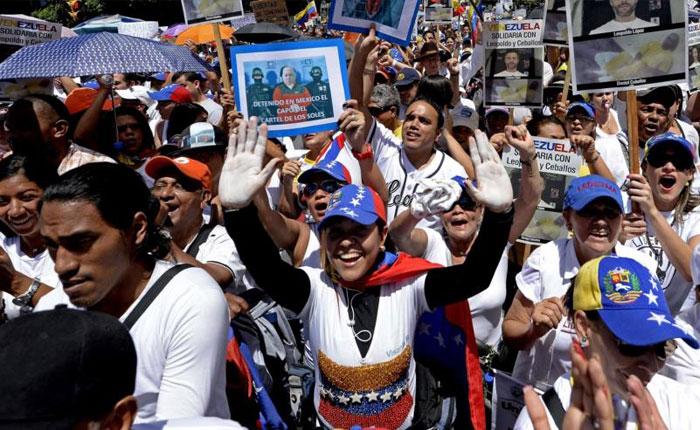 La calle, la protesta, la Unidad, la competencia, la censura descarada y la avalancha de votos por Damián Prat