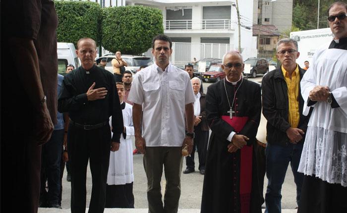 Alcaldía de Los Salias condecoró a Capriles en la celebración de San Antonio de Padua