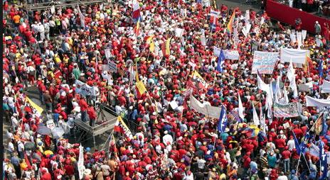 El Nacional: Obligan a empleados públicos a votar en primarias del Psuv