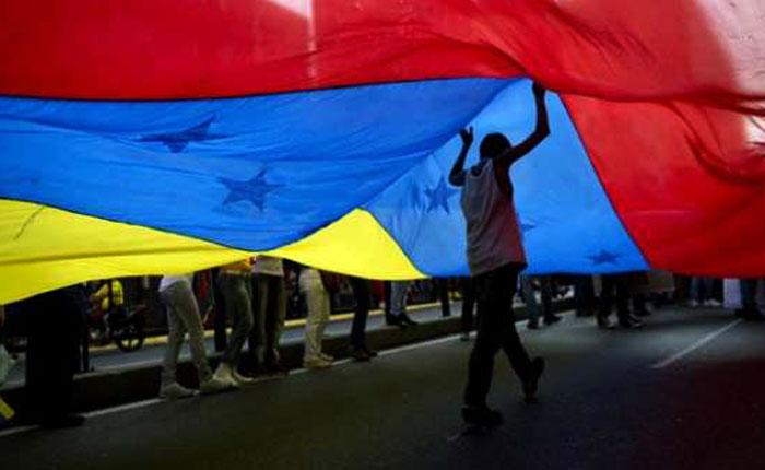 Maduro y oposición salen de la agenda por Orlando Viera-Blanco