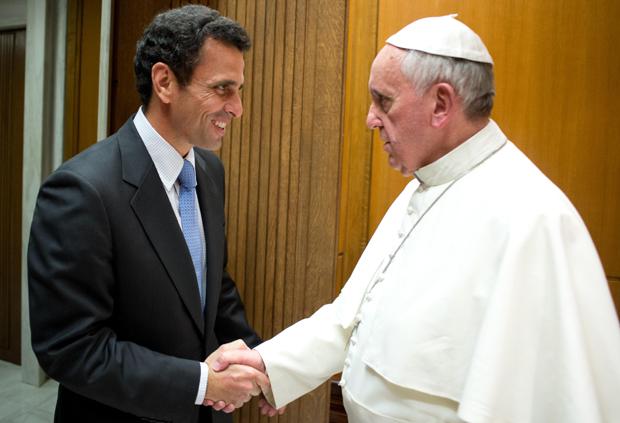 Capriles pide al papa Francisco que interceda en crisis política de Venezuela
