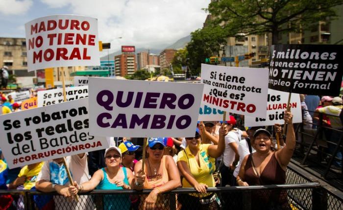 Transparencia Venezuela presenta informe sobre corrupción en Misiones Sociales