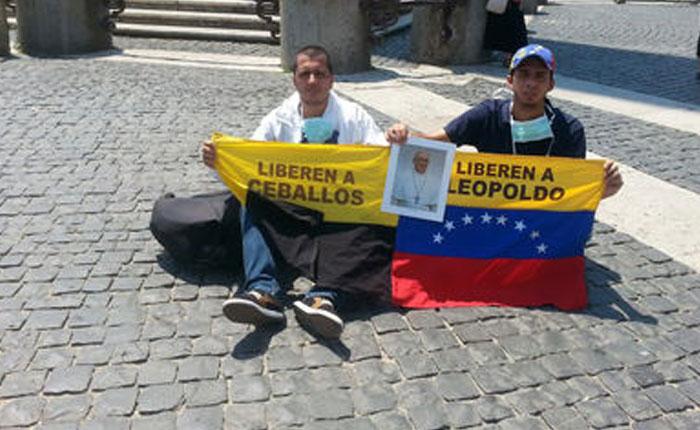 Dos tachirenses inician huelga de hambre en la Plaza San Pedro del Vaticano