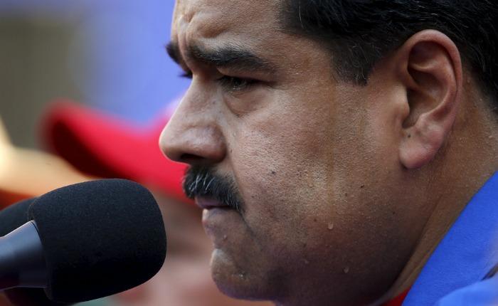 Maduro suspende viaje a Roma por afecciones de salud