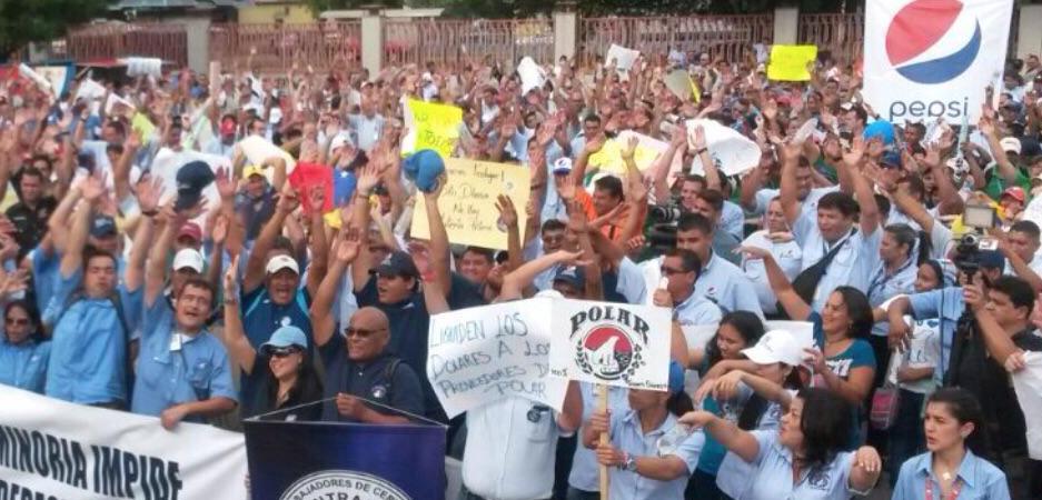 Mira las fotos de la concentración de los trabajadores de Empresas Polar en Barquisimeto