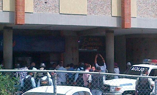 Robaron Bs 50 mil a cliente del Banco Mercantil en Puerto Cabello