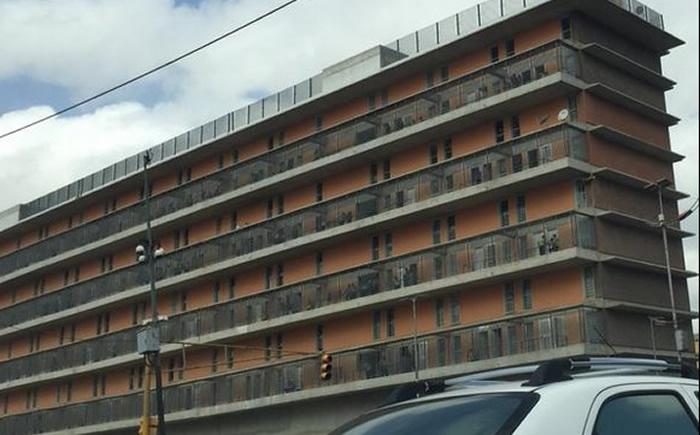 FOTOS Allanan edificios de Misión Vivienda en la avenida Bolívar