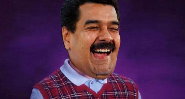 Las tres veces que Maduro escupió para arriba