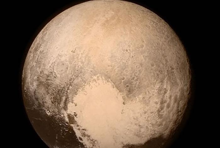La humanidad llega a Plutón con una nave de la NASA