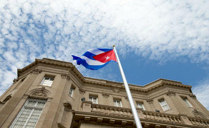 Cómo el régimen cubano desinforma a su pueblo sobre la crisis en Venezuela