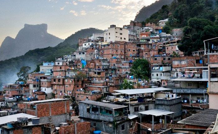 Pobreza reciente abarca a 48% de los hogares según estudio