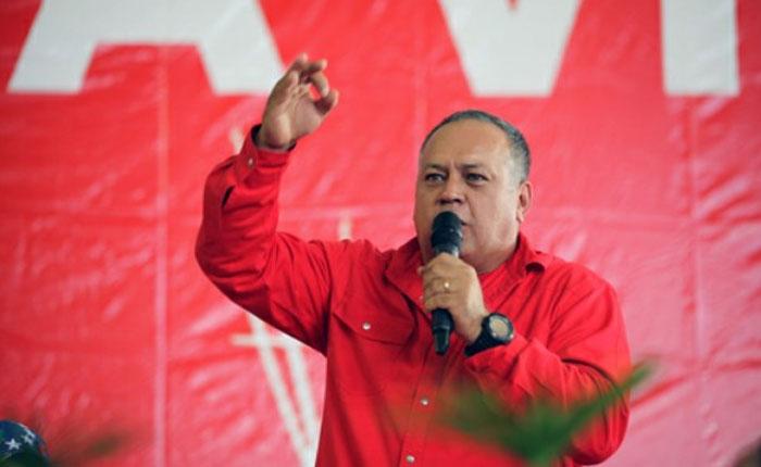 Cabello exhorta a despedir a funcionarios que firmaron por el revocatorio