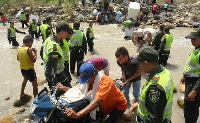 Alerta por abusos en expulsión de colombianos de Venezuela por José Miguel Vivanco