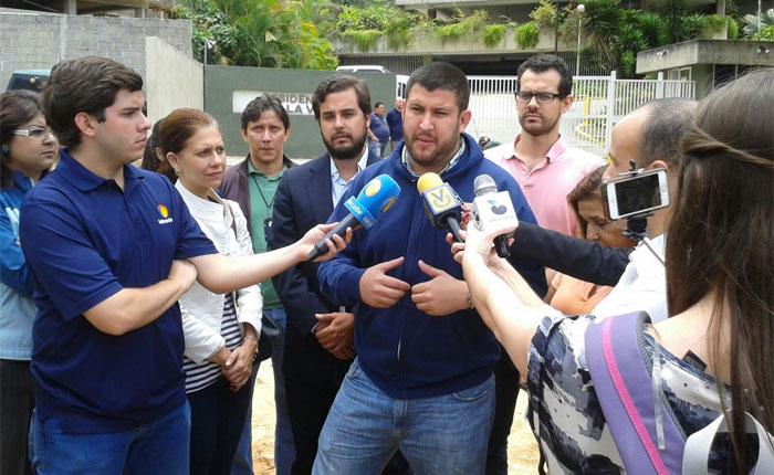 Smolansky: Más de 30% del agua que llega a El Hatillo se desperdicia por negligencia de Hidrocapital