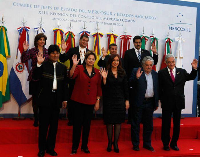 Kirchner denuncia una conspiración contra la izquierda latinoamericana