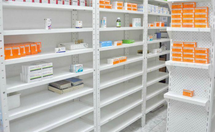 En riesgo de cierre 85 % de las farmacias del país