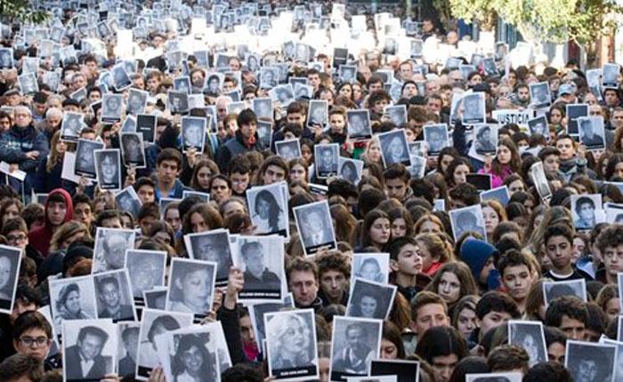 Juicio por encubrimiento del atentado a la AMIA comienza sin Carlos Menem