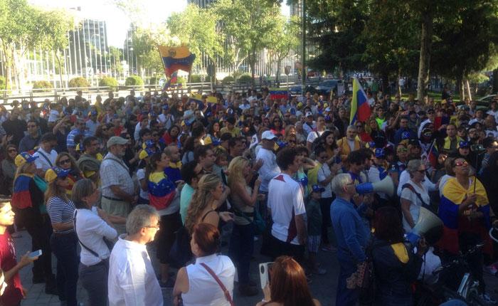 FOTOS EXCLUSIVAS Así se vio la marcha convocada por la oposición en Madrid