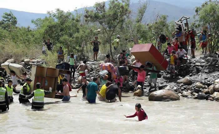 Acnur verifica que no haya refugiados entre los repatriados por Venezuela