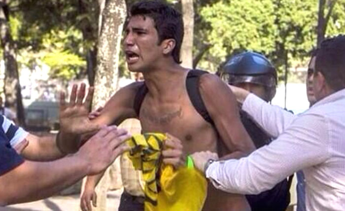 Detienen a Marco Coello, uno de los jovenes torturados en Venezuela, en su entrevista de asilo en Miami
