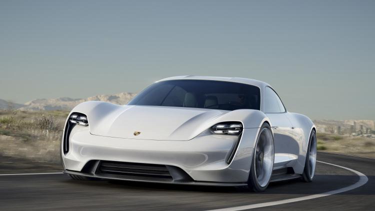 """Porsche entra en el mercado de los vehículos eléctricos con su espectacular """"Mission E"""""""