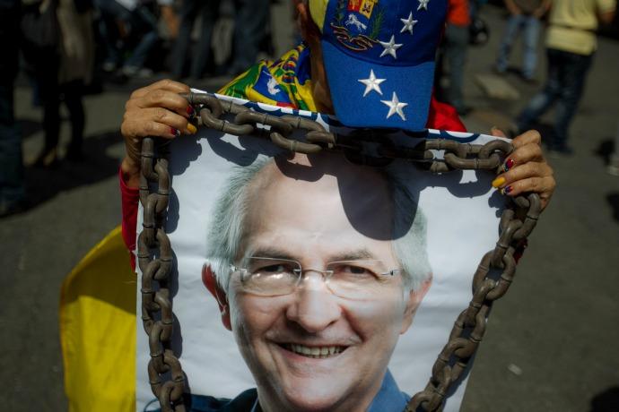 Piden libertad de alcalde Ledezma en su segundo cumpleaños detenido