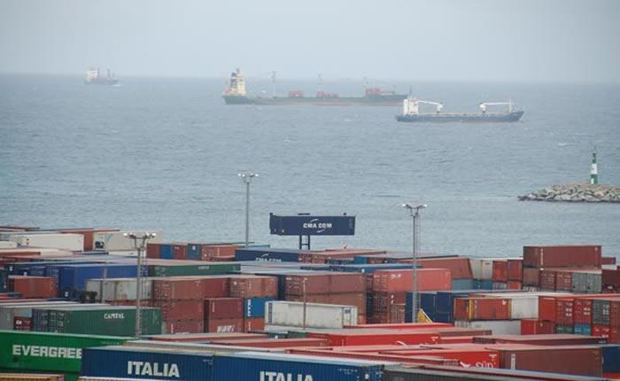 Containers-en-el-puerto-de-La-Guaira