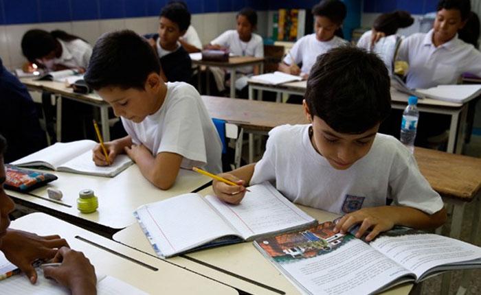 Brújula Diplomática: Venezuela ausente de la Agenda Regional Educación 2030, por Milos Alcalay
