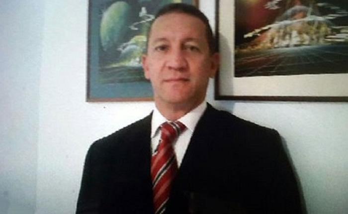 """""""El peo"""" por César Miguel Rondón"""
