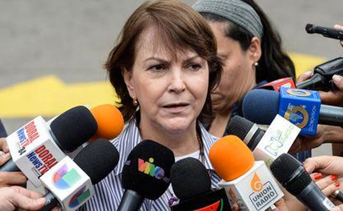 Mitzy de Ledezma: Sabemos que Maduro no sabe hablar sino consigo mismo