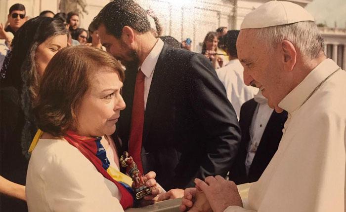 Mitzy Capriles se reunió con el papa Francisco