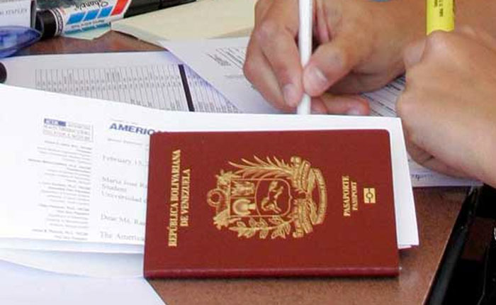 CNN revela supuesta red de venta de pasaportes venezolanos en Irak