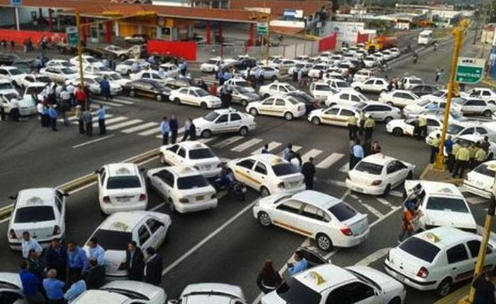 FOTOS Taxistas paralizan la ciudad de Mérida por inseguridad