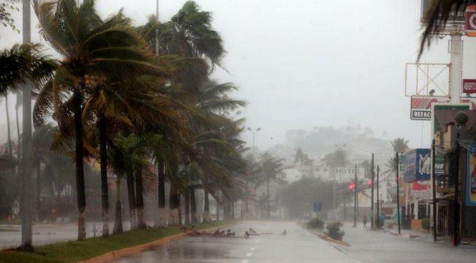 Huracán Patricia se degradó a tormenta tropical