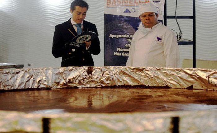 FOTOS Al Récord Guinness moneda de chocolate venezolano