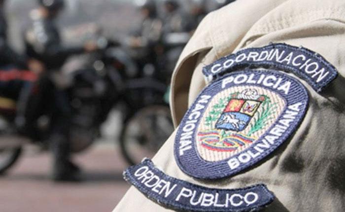 Dos funcionarios de la PNB heridos tras ataque con granada en Coche